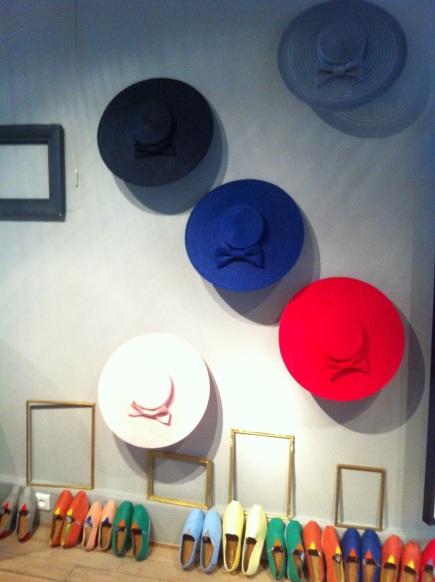 mademoiselle-chapeaux-bibi-capeline-chapeau-de-paille-feutre-sur-mesure-location-de-chapeaux-6.jpg