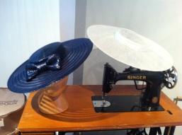mademoiselle-chapeaux-bibi-capeline-chapeau-de-paille-feutre-sur-mesure-location-de-chapeaux-5.jpg